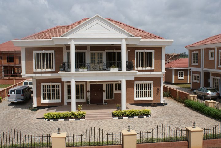 Mercy homes uk visit 39 s amen estate in lekki ibeju lagos for Mansions in nigeria for sale