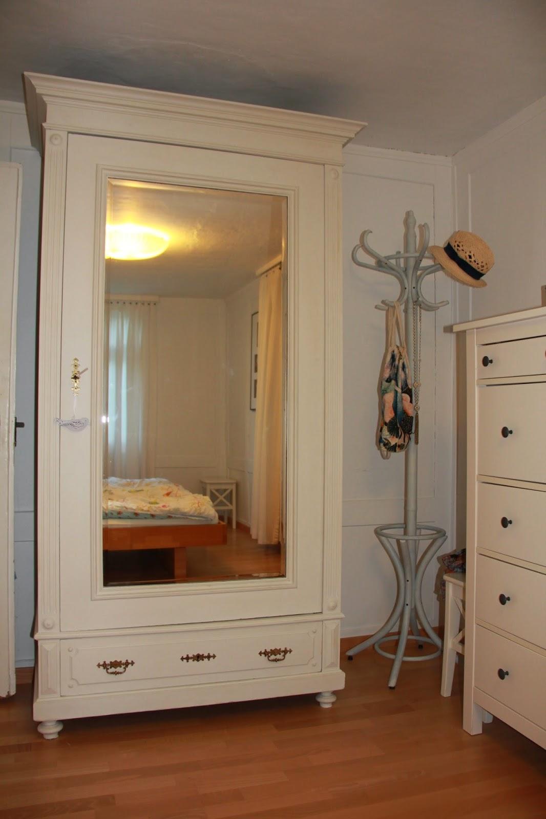 ina 39 s kreativwelt malen mit indiid und annie sloan oder ein kleiner einblick in unser schlafzimmer. Black Bedroom Furniture Sets. Home Design Ideas