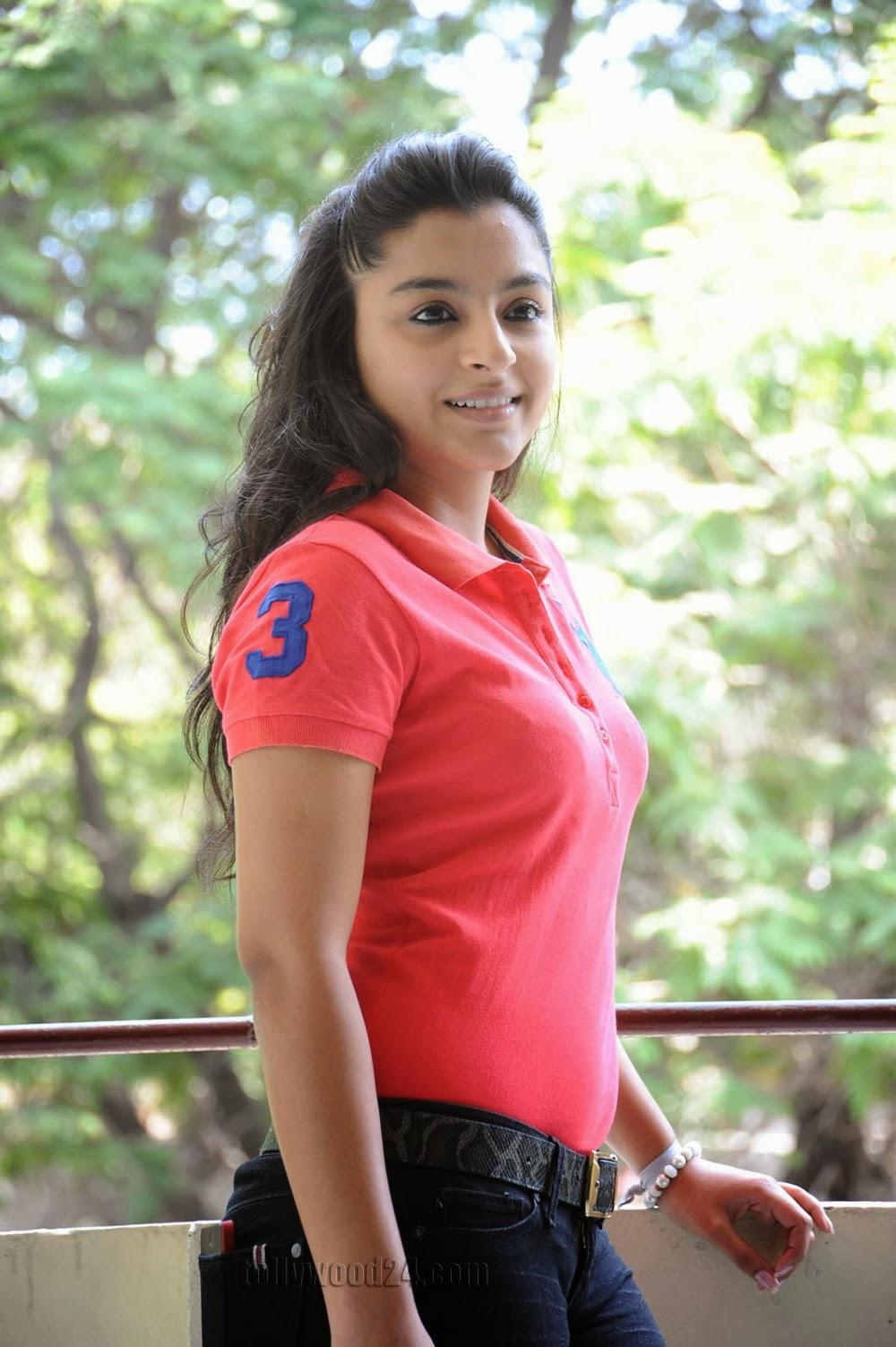 Basanthi heroine Alisha baig photos-HQ-Photo-11