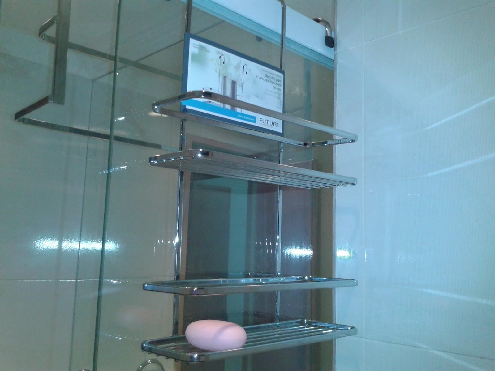 Porta shampoo com um sabonete la pra fazer figuração huauha (mentira  #297EA2 1600x1200 Acessorios Banheiro Leroy