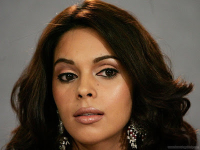 Gorgeous Mallika Sherawat Wallpaper