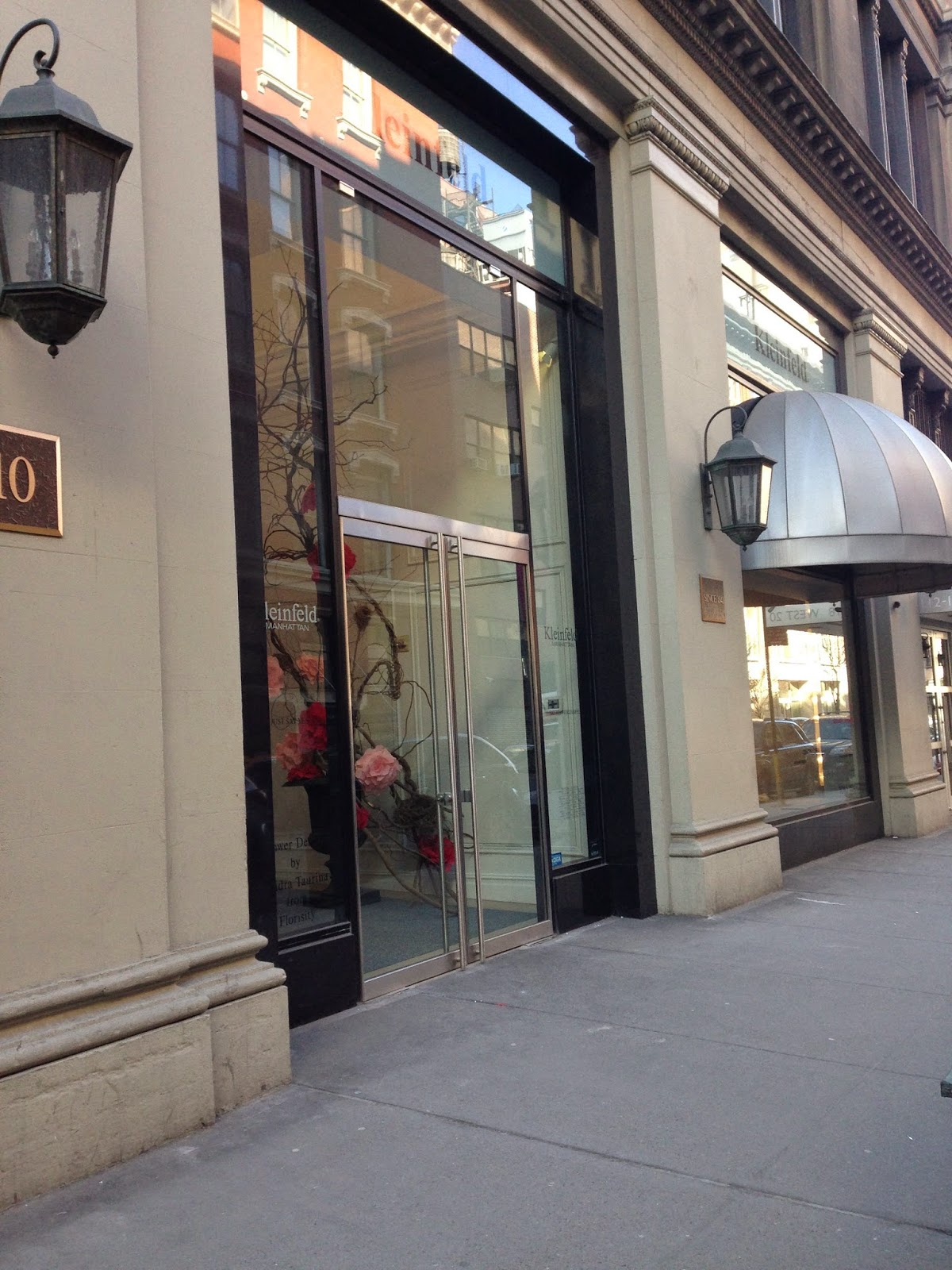 Entrance of Kleinfeld Bridal Boutique