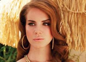 Lana Del Rey e seus lábios carnudos
