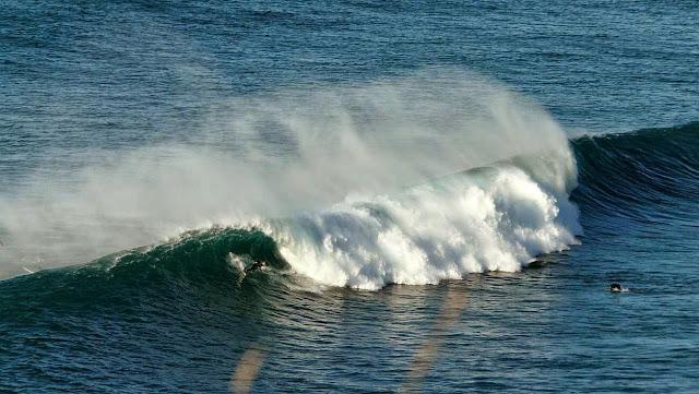 surfing menakoz 15