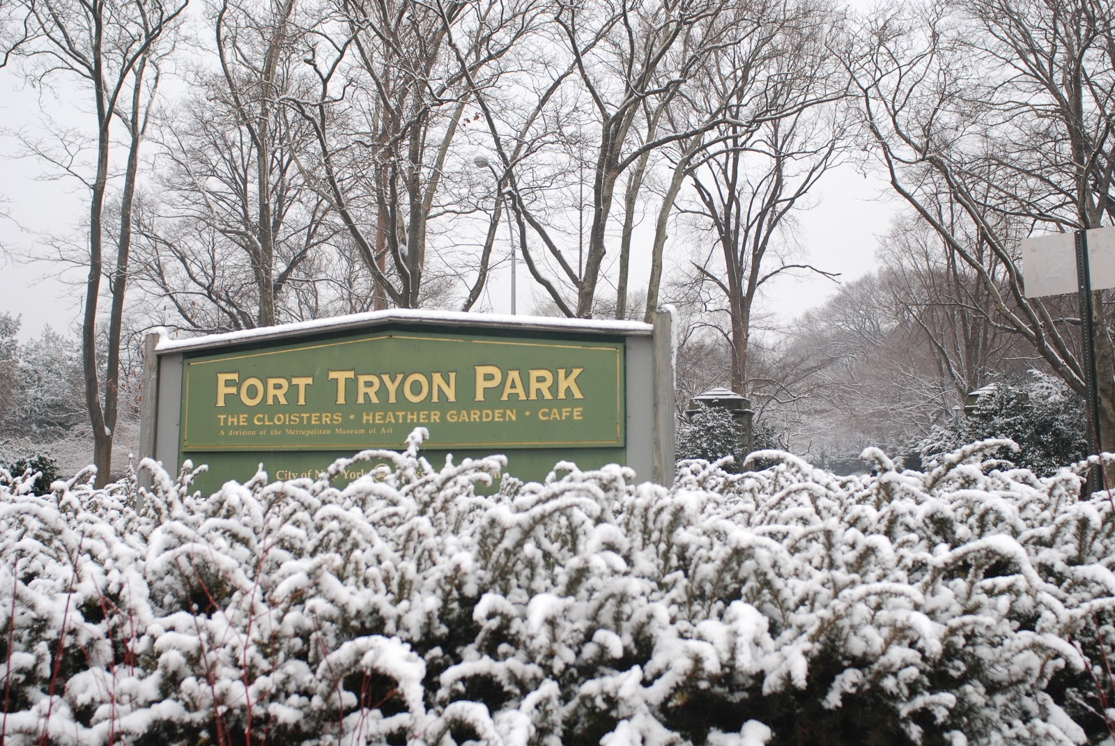 nyc nyc winter scenes in fort tryon park