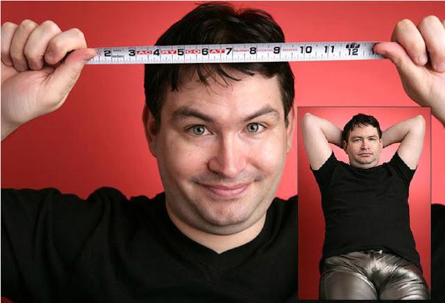 Jonah Falcon, quien tiene uno de los penes más grandes del mundo