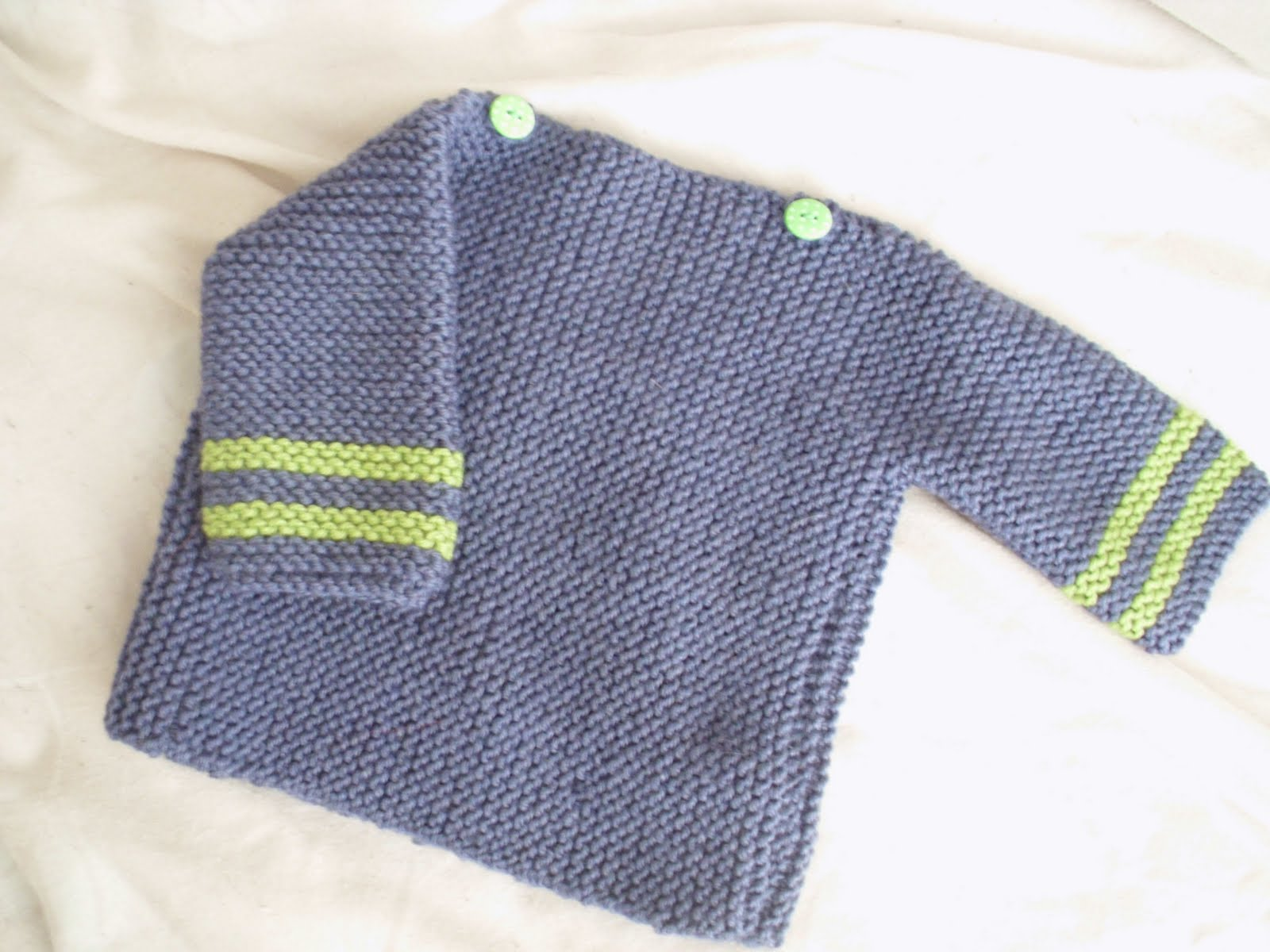 Crafty Blueberry: Room To Grow Baby Sweater