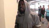Kanye West s'en prend violemment à un paparazzi (VIDEO)
