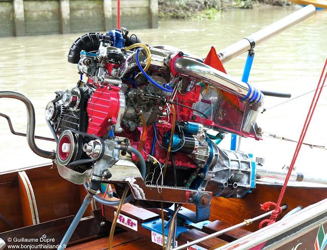 Moteur de Long Tail Boat à Mae Khlong