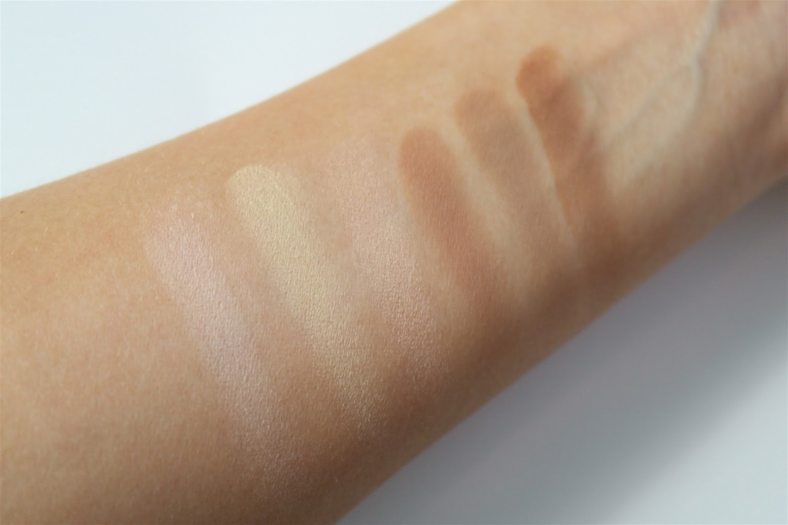 Anastasia beverly hills contour kit light swatches