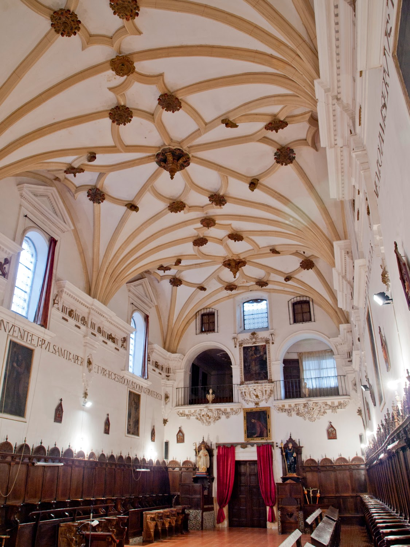 Detalle nave iglesia de Monasterio de San Clemente en Toledo