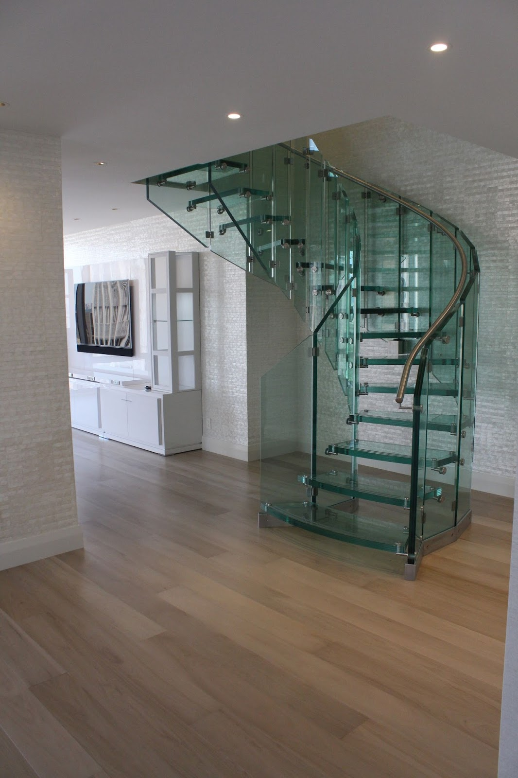 glass spiral staircase innovative for indoor my. Black Bedroom Furniture Sets. Home Design Ideas