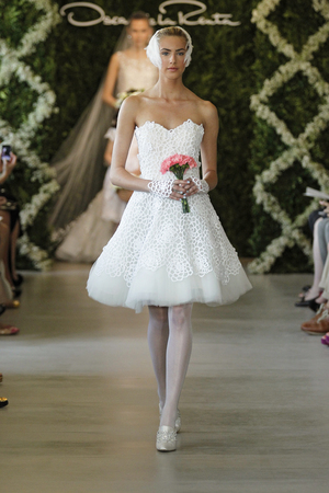 It 39 s your party so long to long short wedding dresses for Oscar de la renta short wedding dress