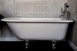 61 Inch Traditional Claw Foot Roll Top Tub