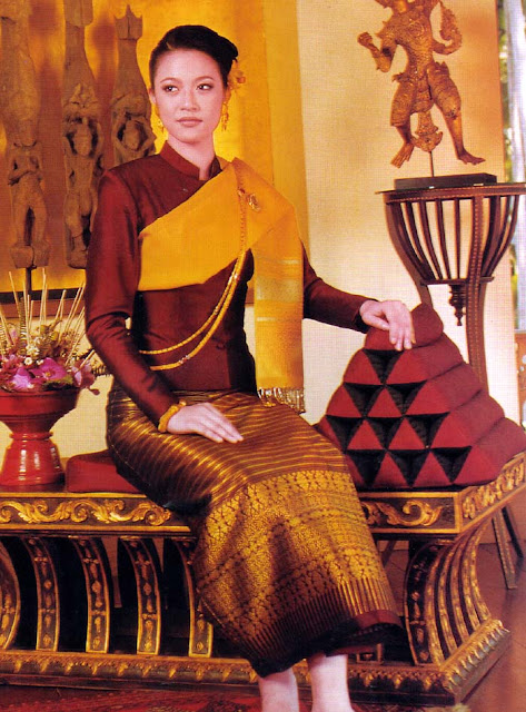 Flashback Summer: 1940s + Traditional Thai clothing