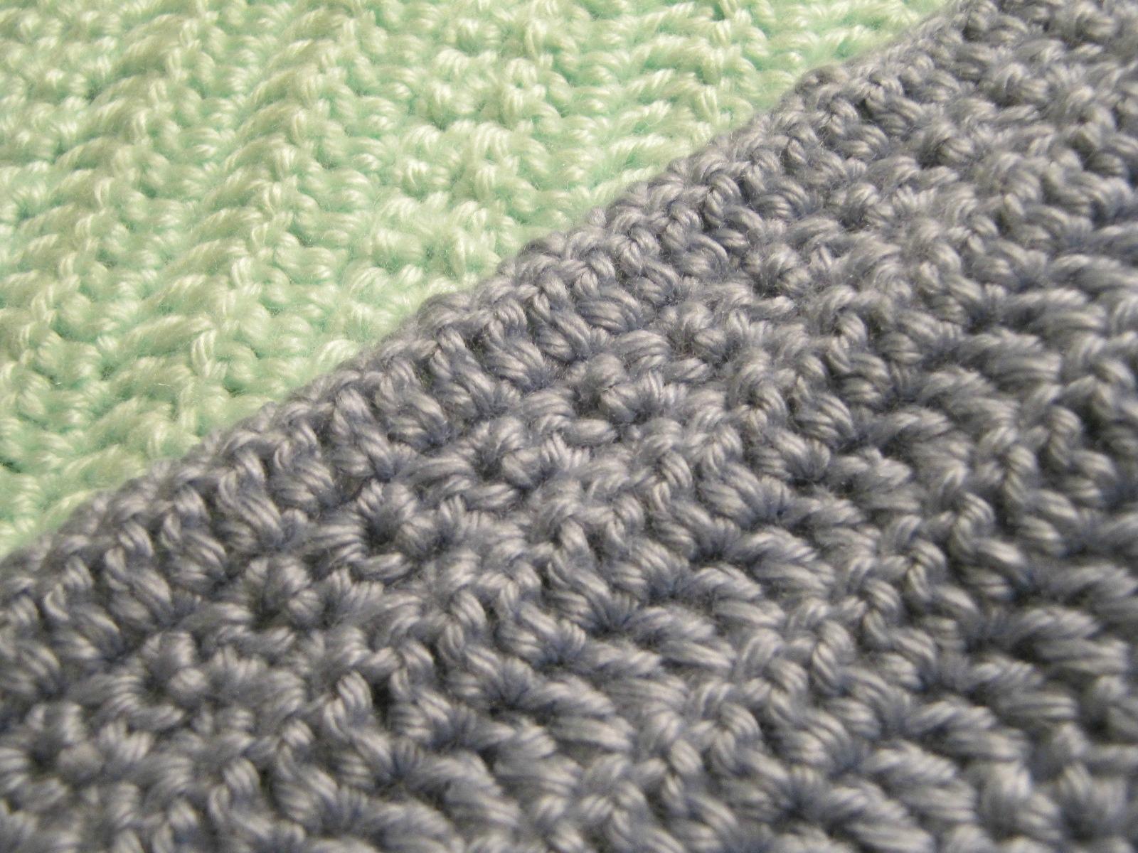 http://4.bp.blogspot.com/-jwghWkcnoXo/Tpeg9EtKFRI/AAAAAAAABWg/wLNzNlYnDQ8/s1600/border-crocheted-blanket.jpg