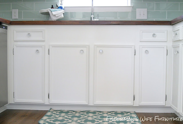 Painting kitchen cabinets, painted kitchen cabinets, white kitchen, DIY painting kitchen cabinets, how to paint kitchen cabinets