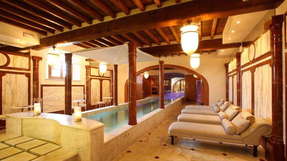 Long Weekend In Holiday At İtaly ...Villa Mangiacane Hotel In Tuscany.