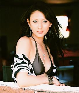 Leah Dizon リア・ディゾン Hot Photos 28