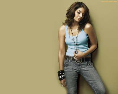 Bipasha Hot hd wallpaper nice dressing