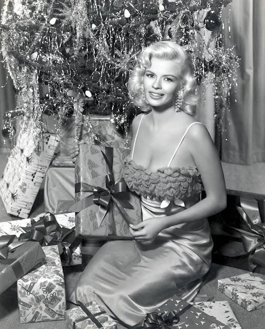 Christmas Hollywood Goddess