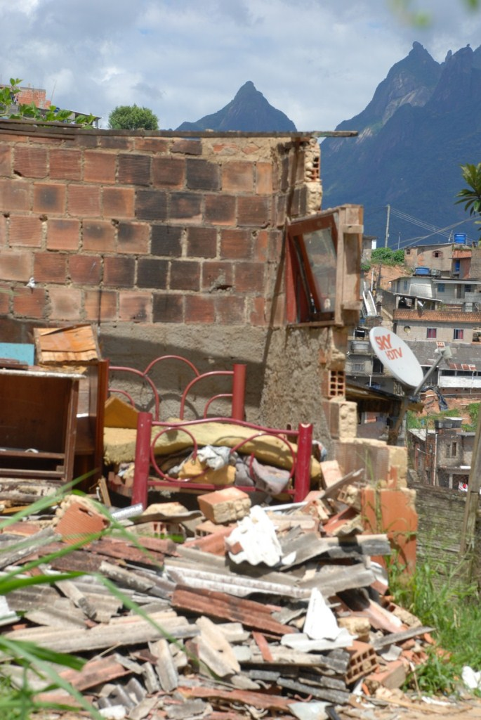 Imóvel demolido em janeiro no Rosário