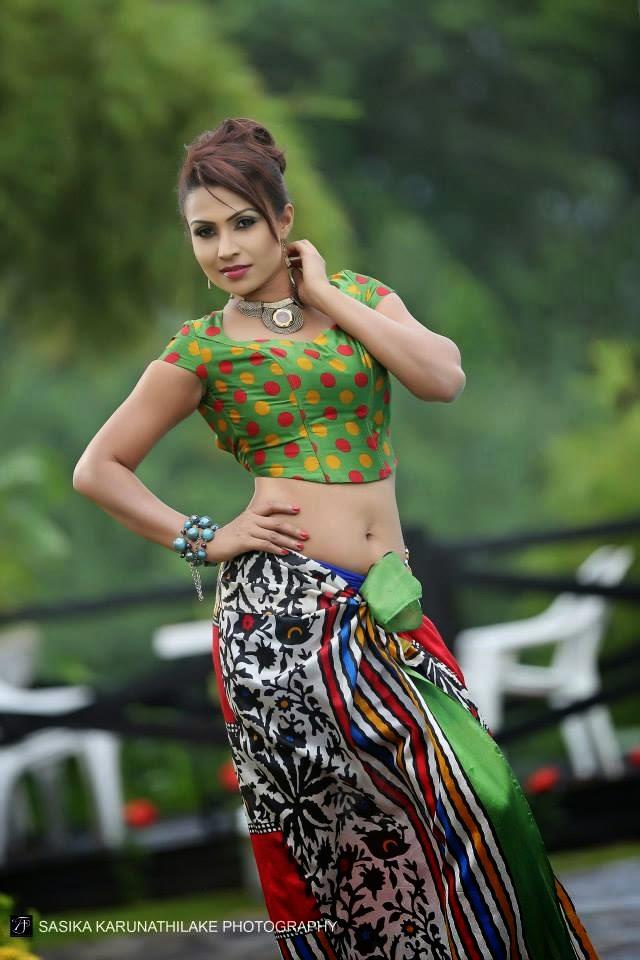Srimali Fonseka navel cute
