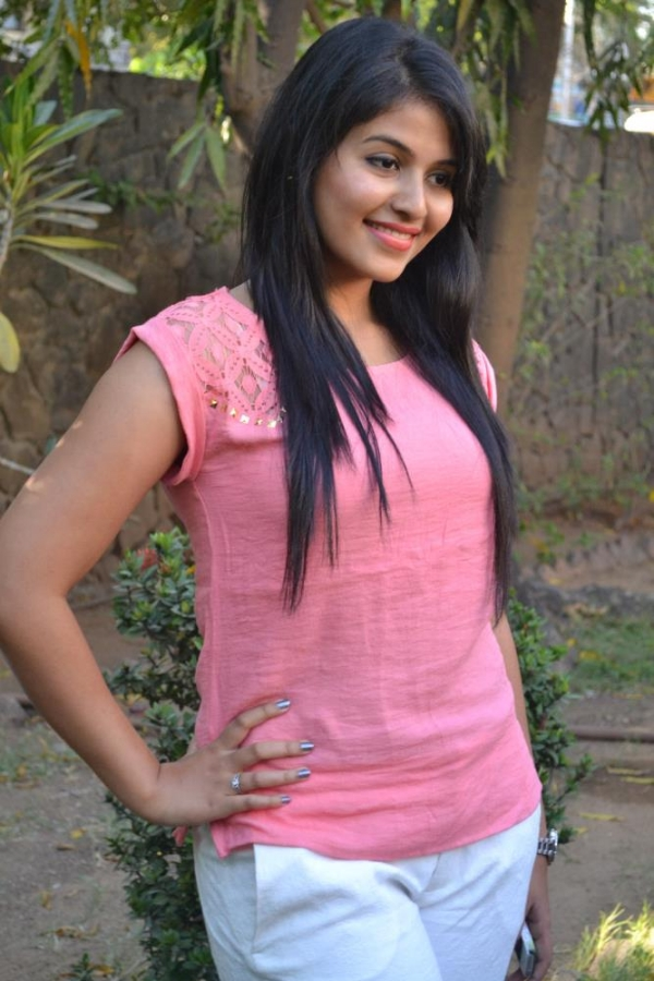 Anjali New Cute Photos Pink Dress Idle India Telugu Movie Updates