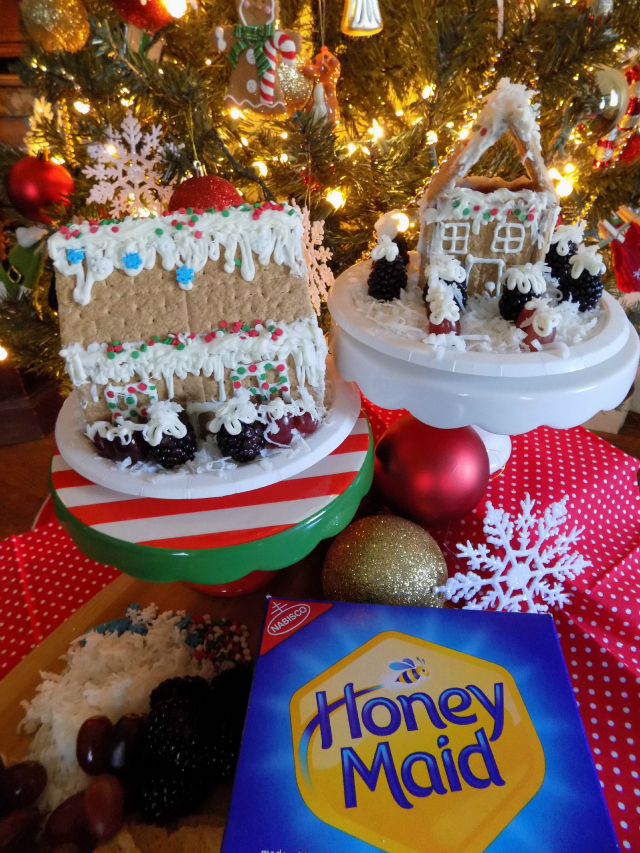How To Make Healthier Holiday Treats With The Kids + Delicious 2 Ingredient Low Sugar Icing Recipe One Savvy Mom onesavvymom blog nyc #HoneyMaidHouse