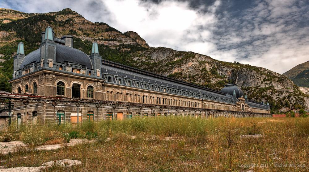 Ferrocarril : Estación Internacional de Canfranc, Spanish Pyrenees