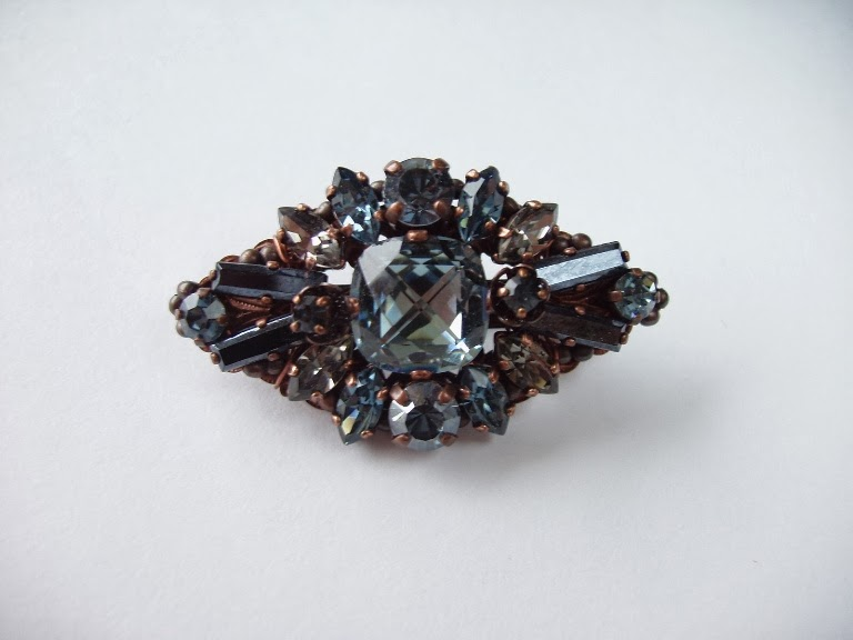 sinakashall pross kristallide ehtekividega mdmButiik Eesti käsitöö disain ehted
