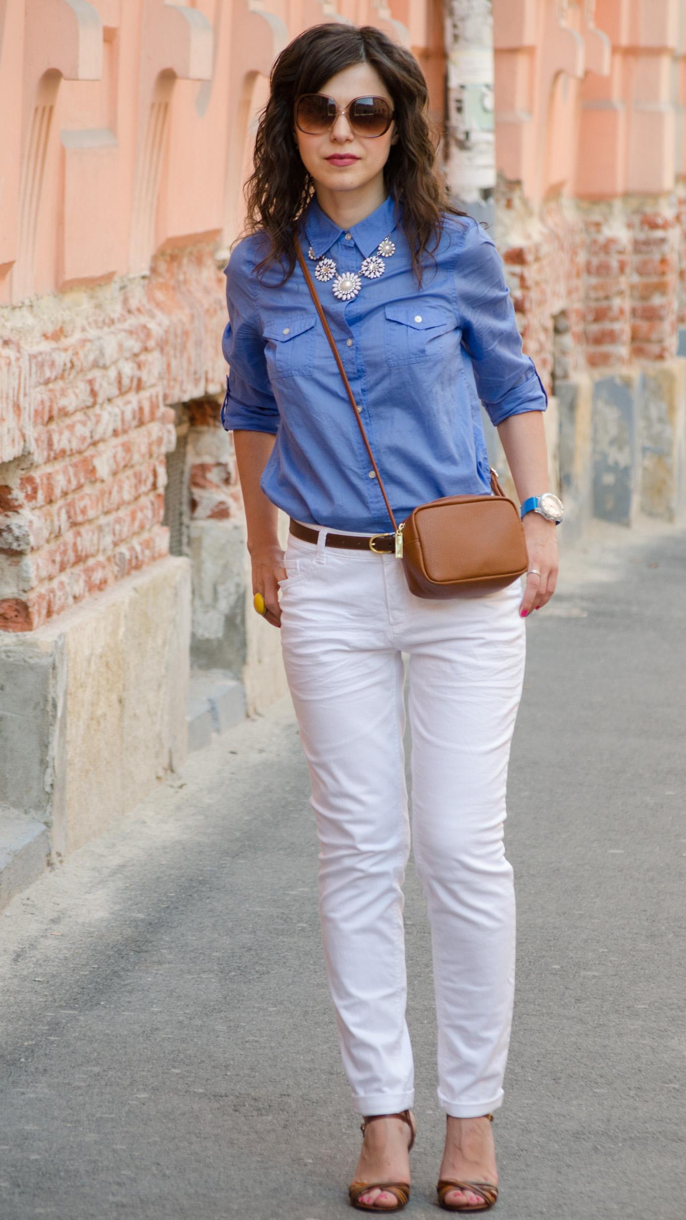 white jeans blue boyfriend shirt C&A brown satchel H&M statement necklace