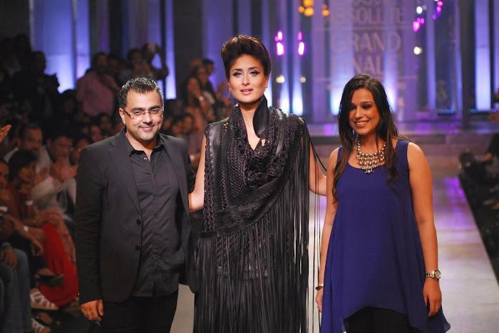 kareena kapoor stopper for designers pankajnidhi lfw 2012.