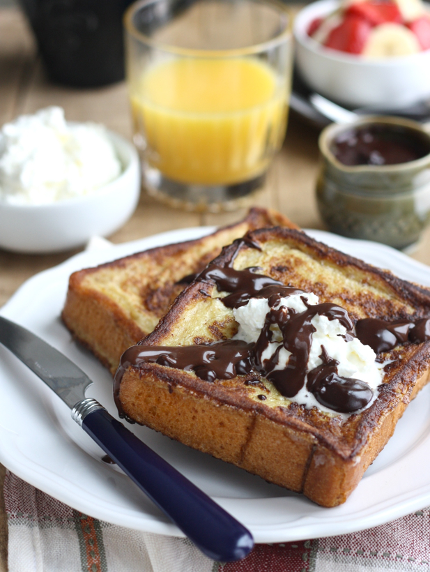 Cinnamon French Toast with Homemade Chocolate Sauce recipe by SeasonWithSpice.com