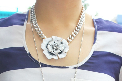 Mimco Flower Necklace