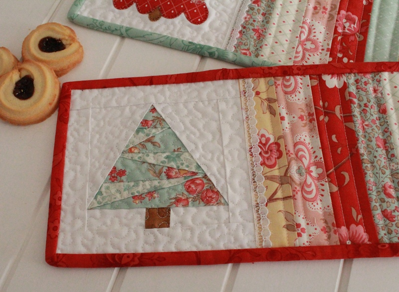 Threadbare Creations: Free Pattern- Christmas Mug Rugs : quilted mug rugs free patterns - Adamdwight.com