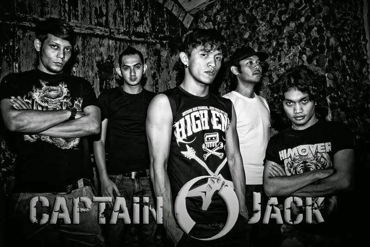 http://cuyexsputra.blogspot.com/2012/03/lirik-lagu-captain-jack-captain-jack.html