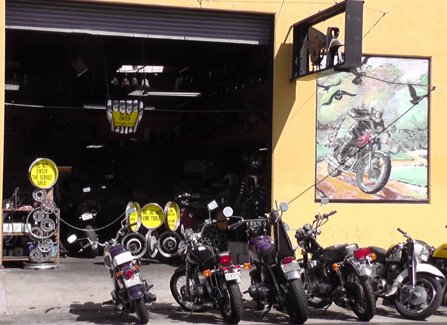 Mid Life Cycles Charlie S Place Where Old Hondas Go To Live