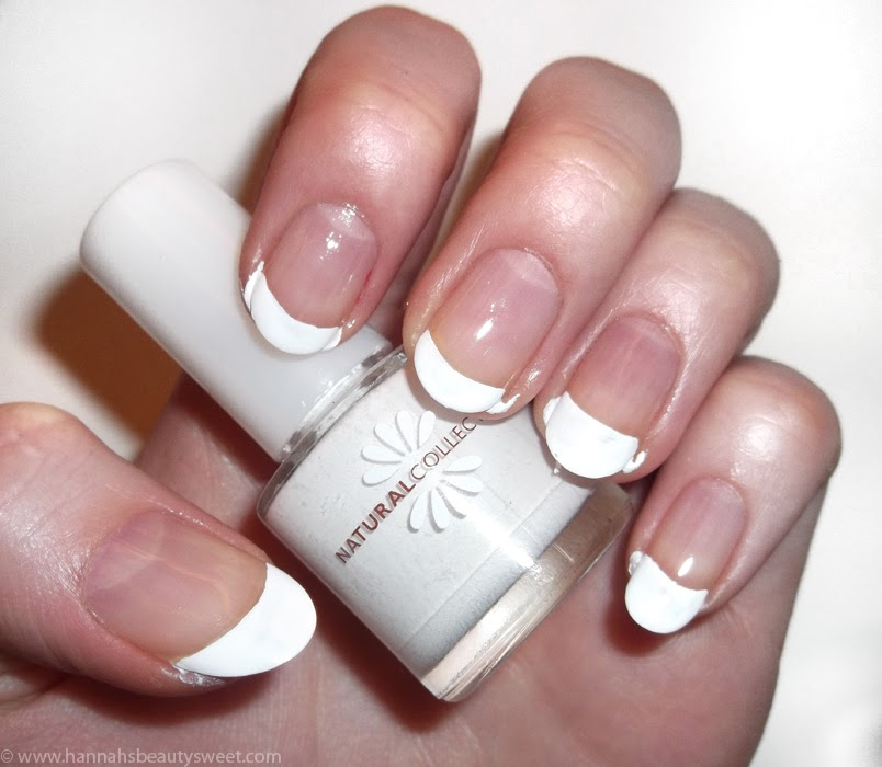 french manicure, Christmas nail art, tutorial, how to, NOTD, holly, winter