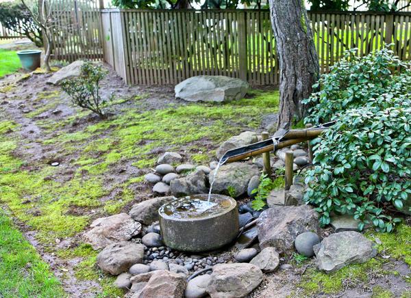 Bamboo worktops photos bamboo water fountains for Bamboo water garden