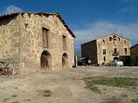 El Paller i la masia de La Muntada des de la banda de migdia
