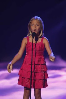 Facts About Jackie Evancho Singing
