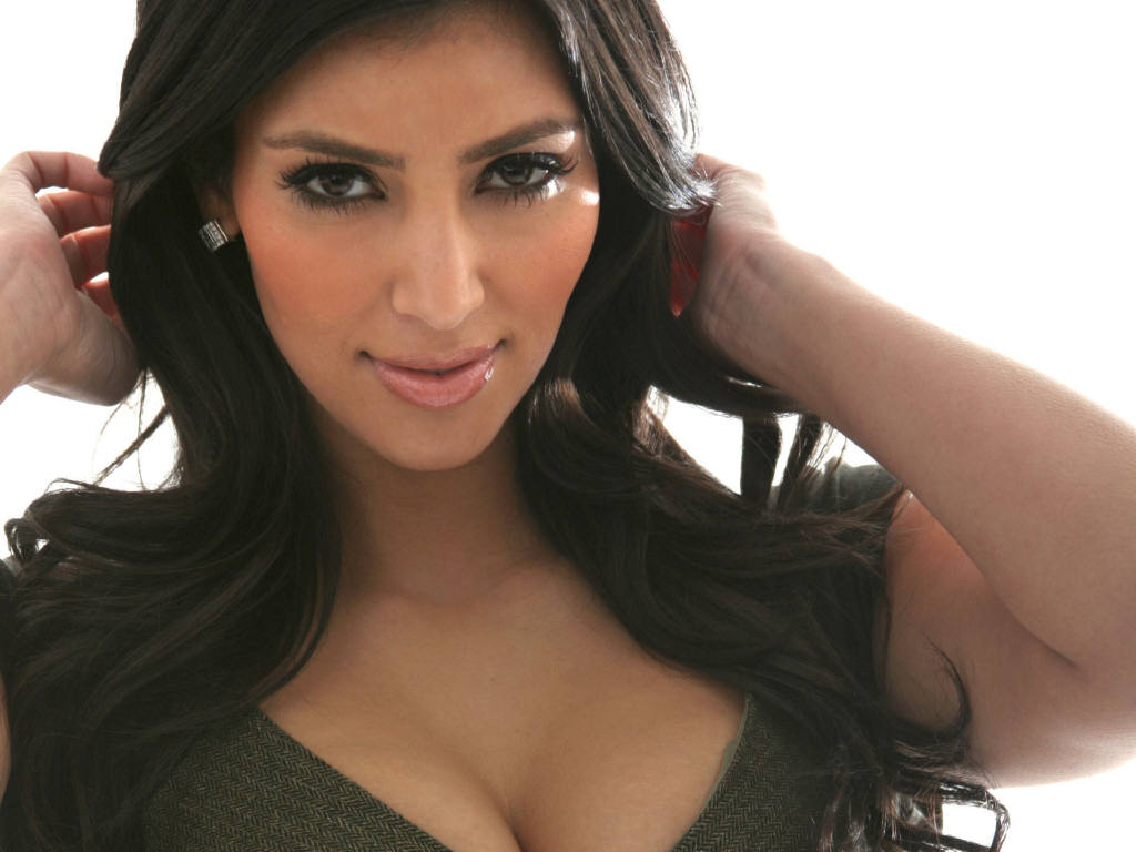 Kim Kardashian 2011 wallpaper