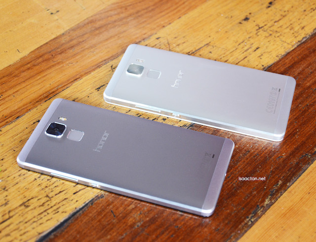 Two colours of honor 7, the Mystery Gray and Fantasy Silver
