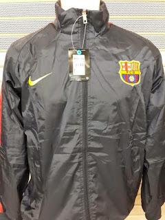 gambar jaket barcelona warna hitam parasut musim 2014/2015