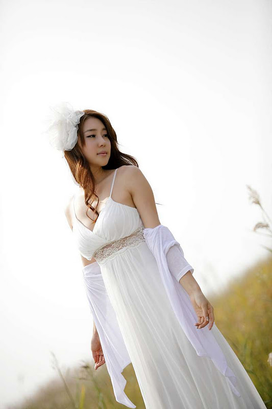 White Angel Choi Yu Jung - Oudoor Set