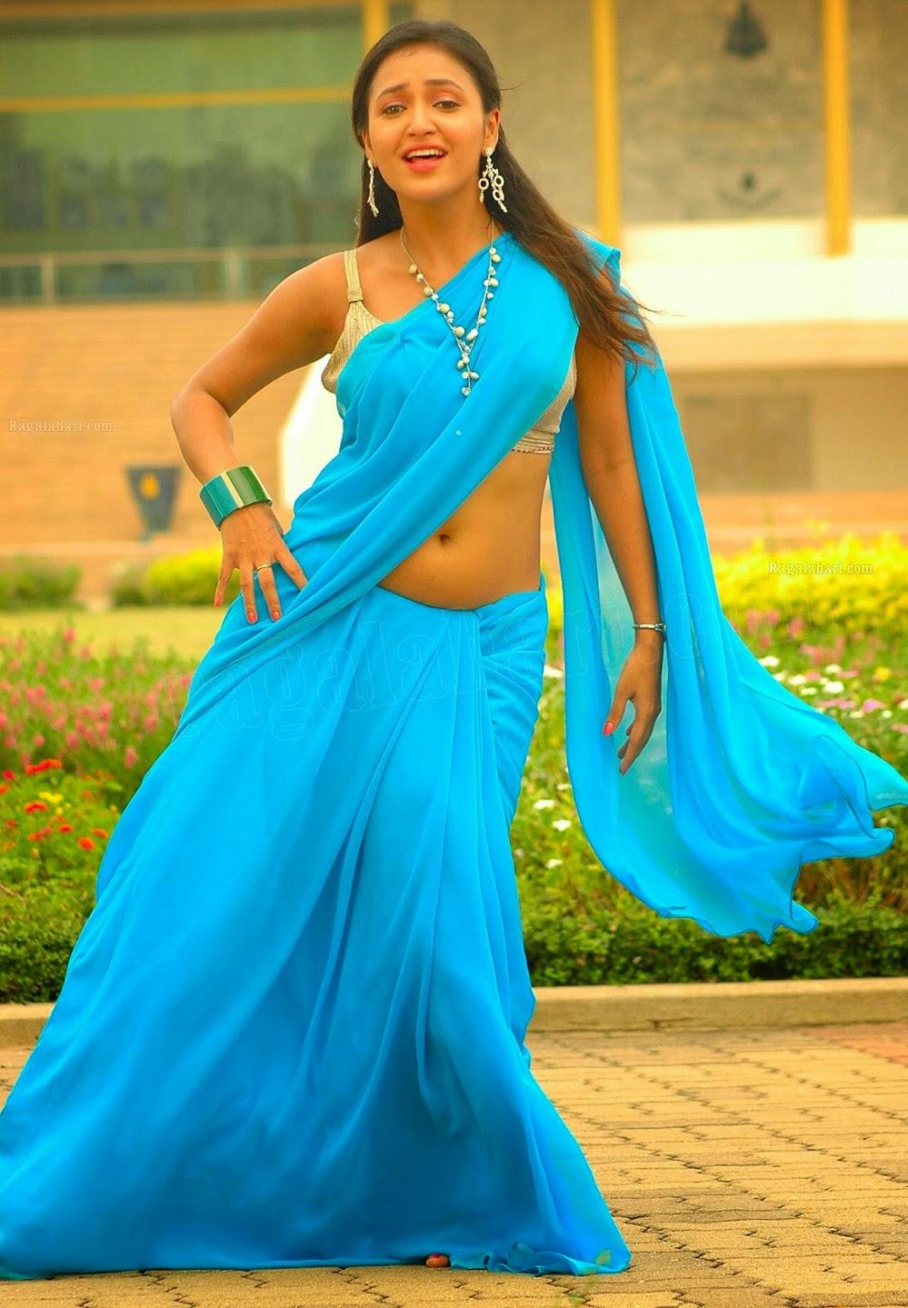 Sarayu Navel Show In Saree   nudesibhabhi.com