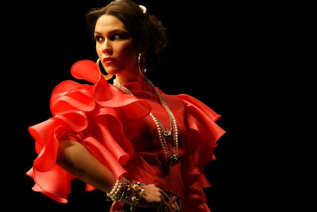 traje-rojo-curro-durán-2011
