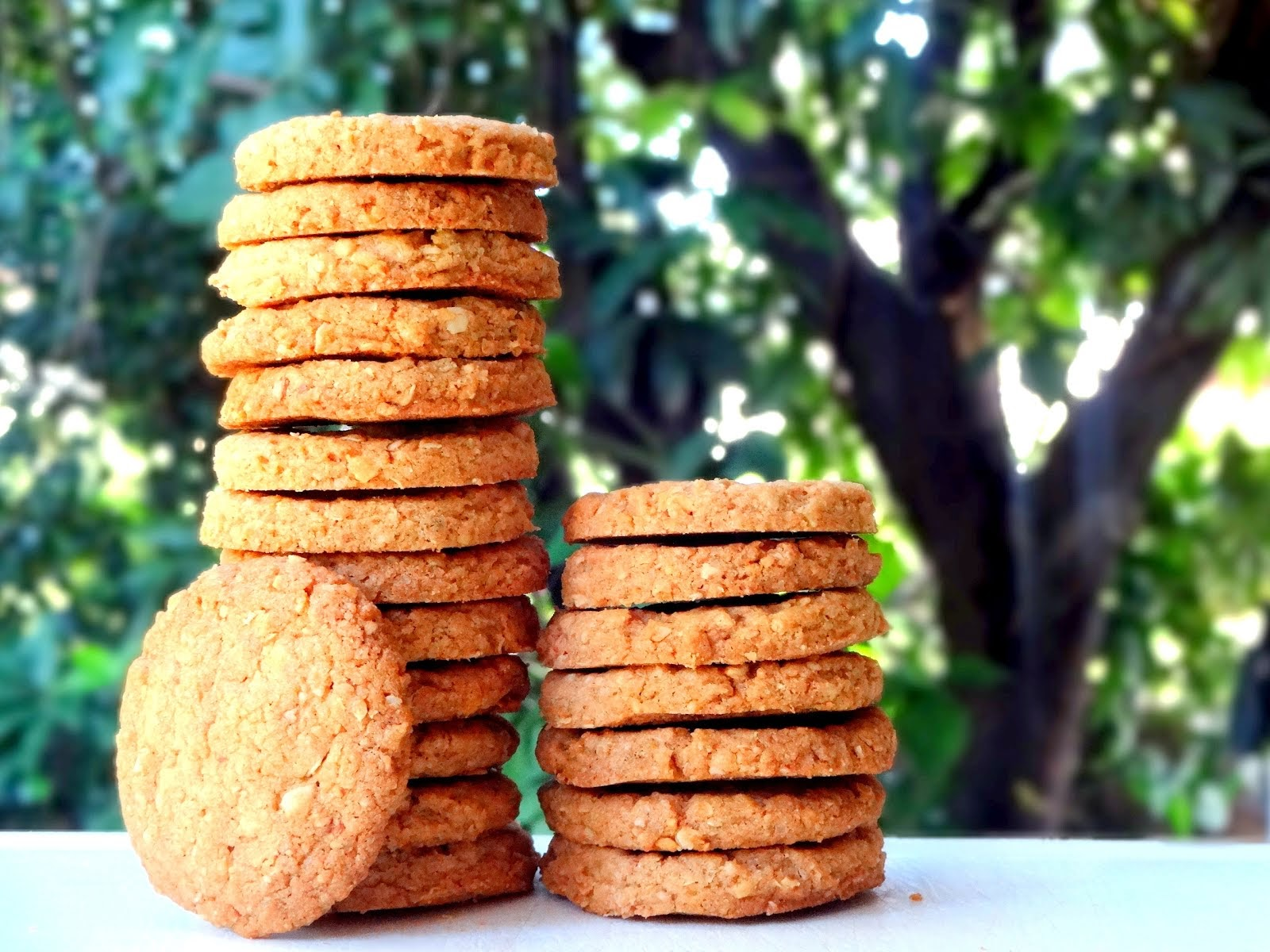 Whole Wheat Oat and Almond Cookies
