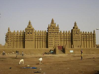 اكبر مسجد من الطين فى العالم